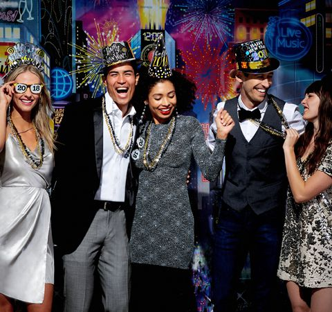 How to Throw the Ultimate NYE Party
