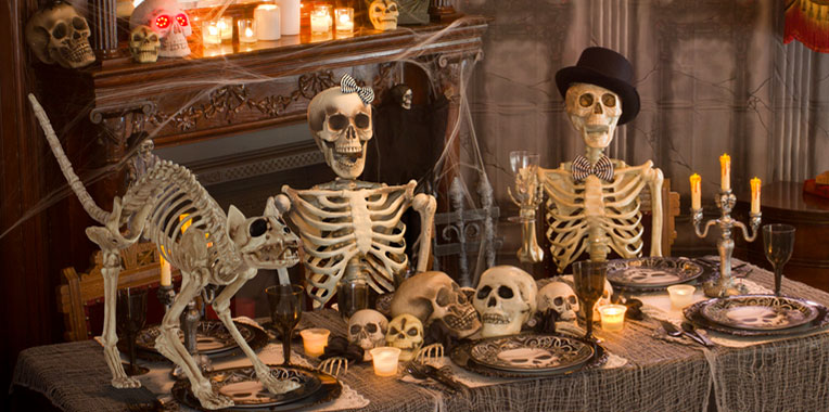 Halloween decorating ideas party delights for Halloween haunted room ideas