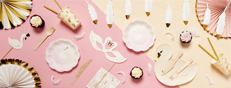 Lovely Swan Party Supplies